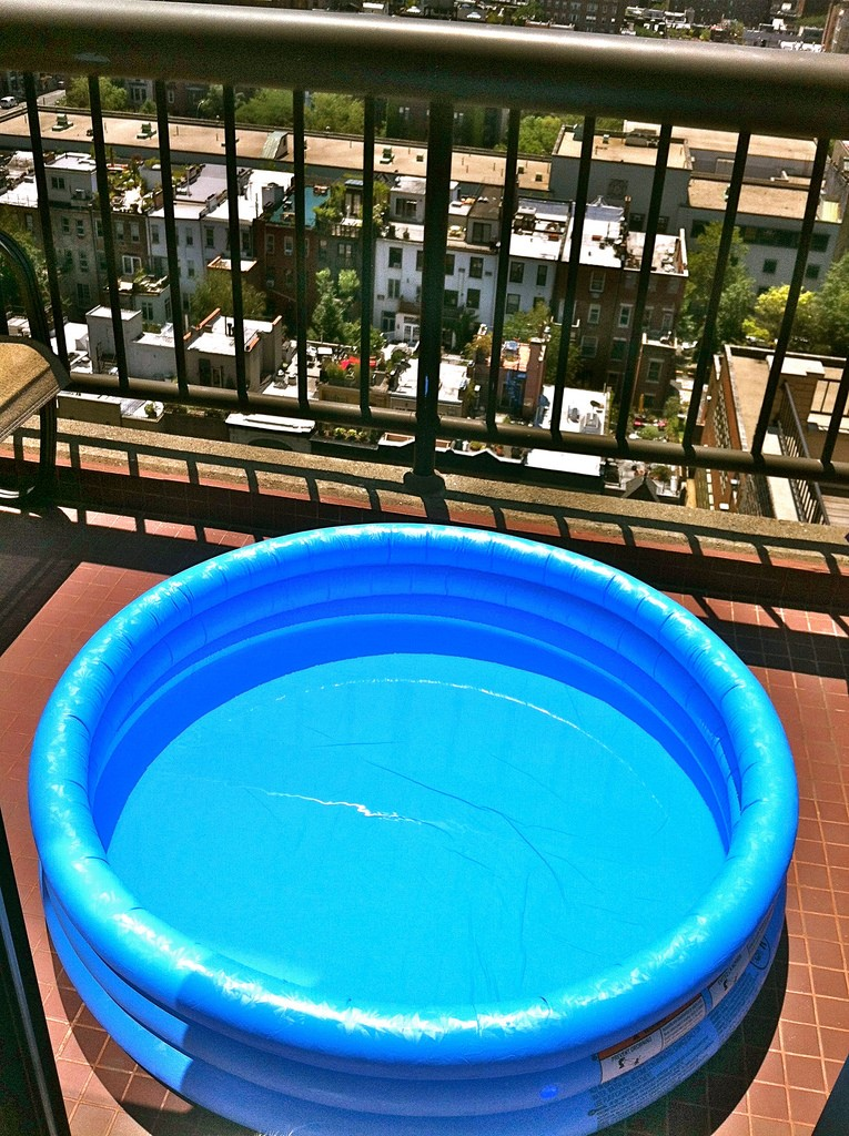 10 Tips for Closing Your Inflatable Pool