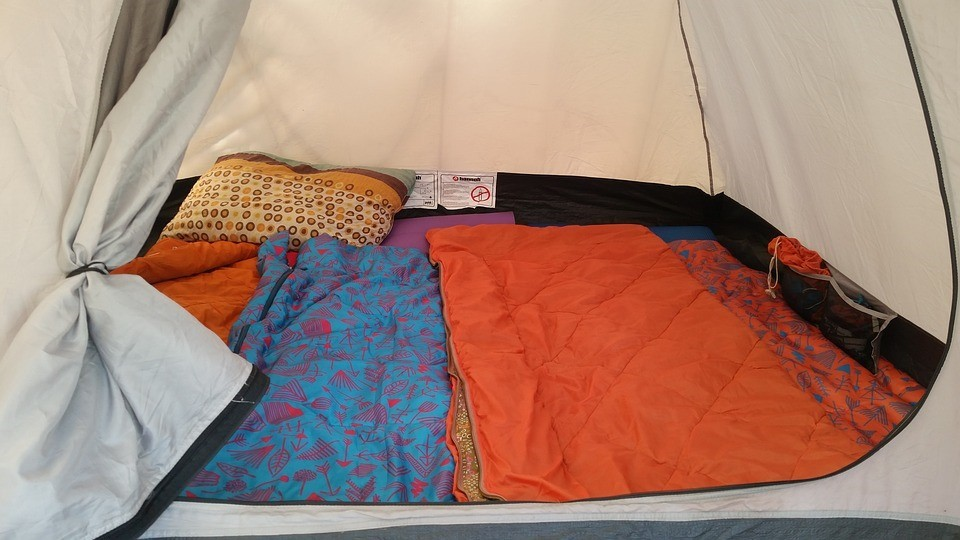 Sleeping Bag vs Air Mattress Which Is Better for Camping